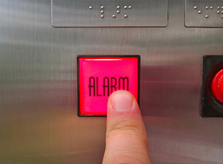 Κακή συντήρηση ανελκυστήρων και εγκλωβισμός, πως να αντιδράσετε