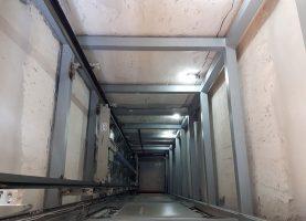Σιδηροκατασκευή Φρεατίου και Υδραυλικός Ανελκυστήρας KLEEMANN σε Πολυκατοικία στο Κερατσίνι